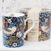 william MORRIS-MUGG blå strawberry thiefs